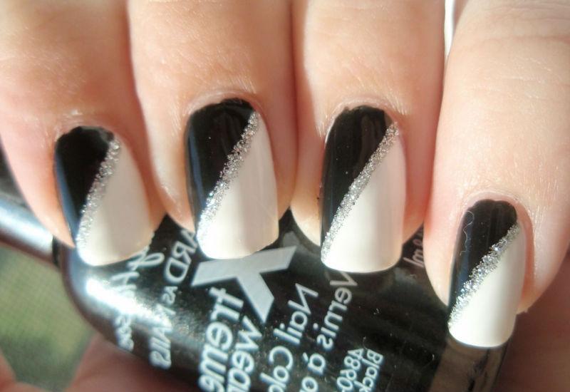 Маникюр белый черный серебристый