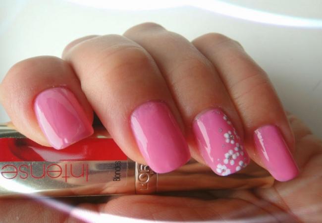 Manikjur-v-rozovom-cvete5