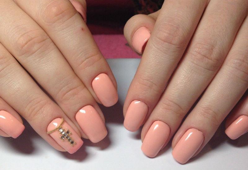Фото нарощенных ногтей с дизайном 2017 однотонное покрытие