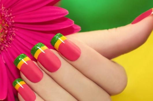 yarkij-manicure-10