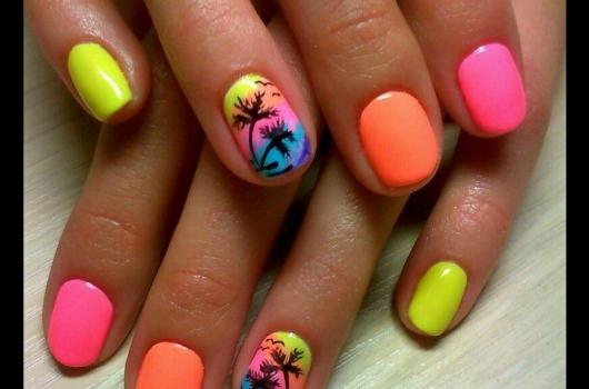 yarkij-manicure-12