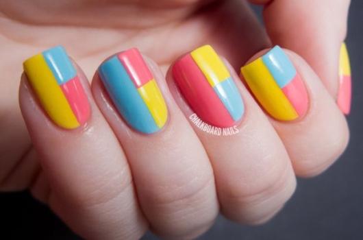yarkij-manicure-15