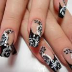 Расписные узоры на ногтях