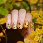 Осенний маникюр с рисунком