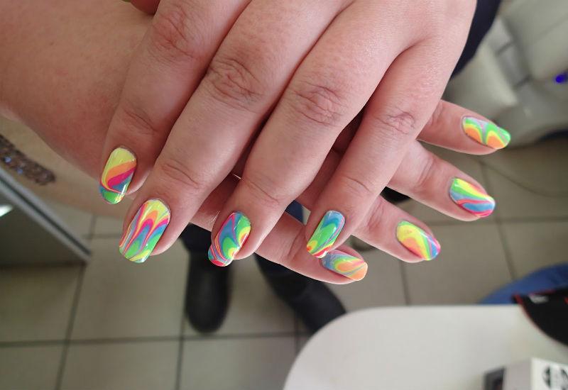 Разноцветные ногти: фото 32