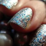 Красочный дизайн натуральных ногтей
