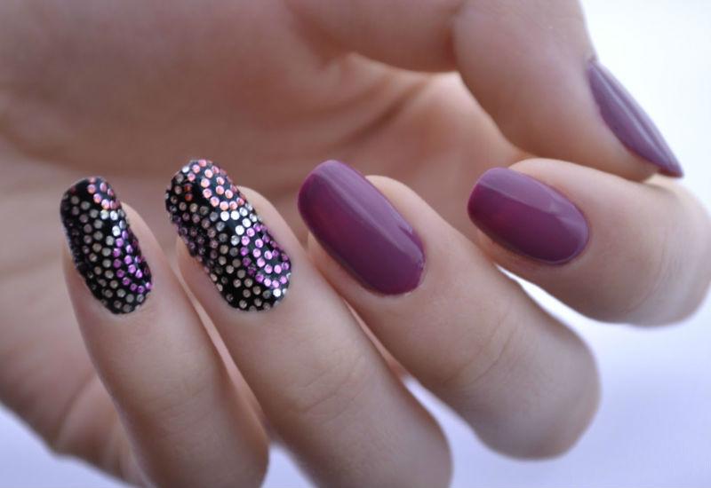 Яркий дизайн натуральных ногтей