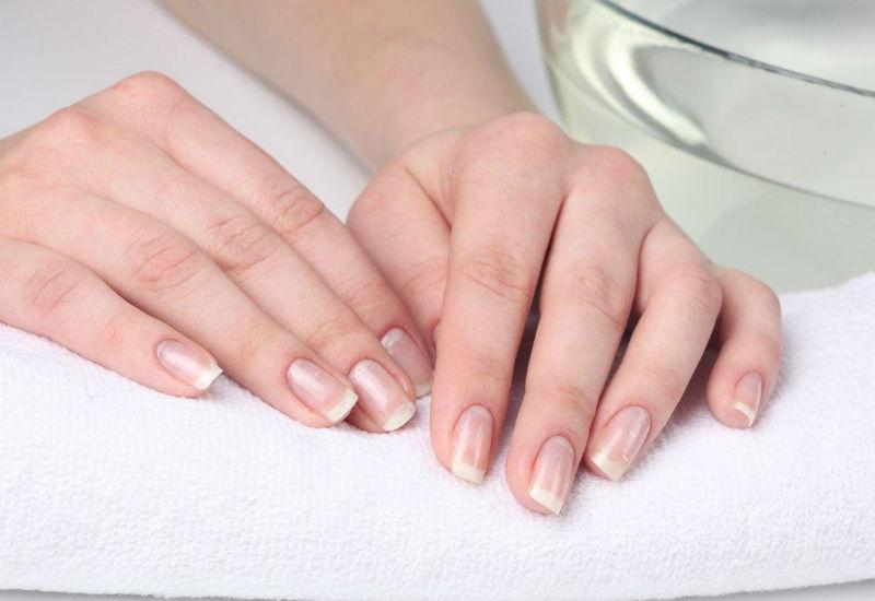 Отбеливание ногтей: как убрать желтизну