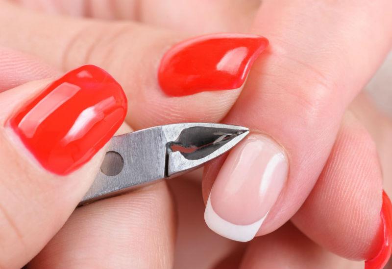 Обработка ногтя и кутикулы