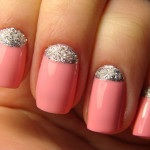 Нежно-розовый маникюр с серебряными блестками