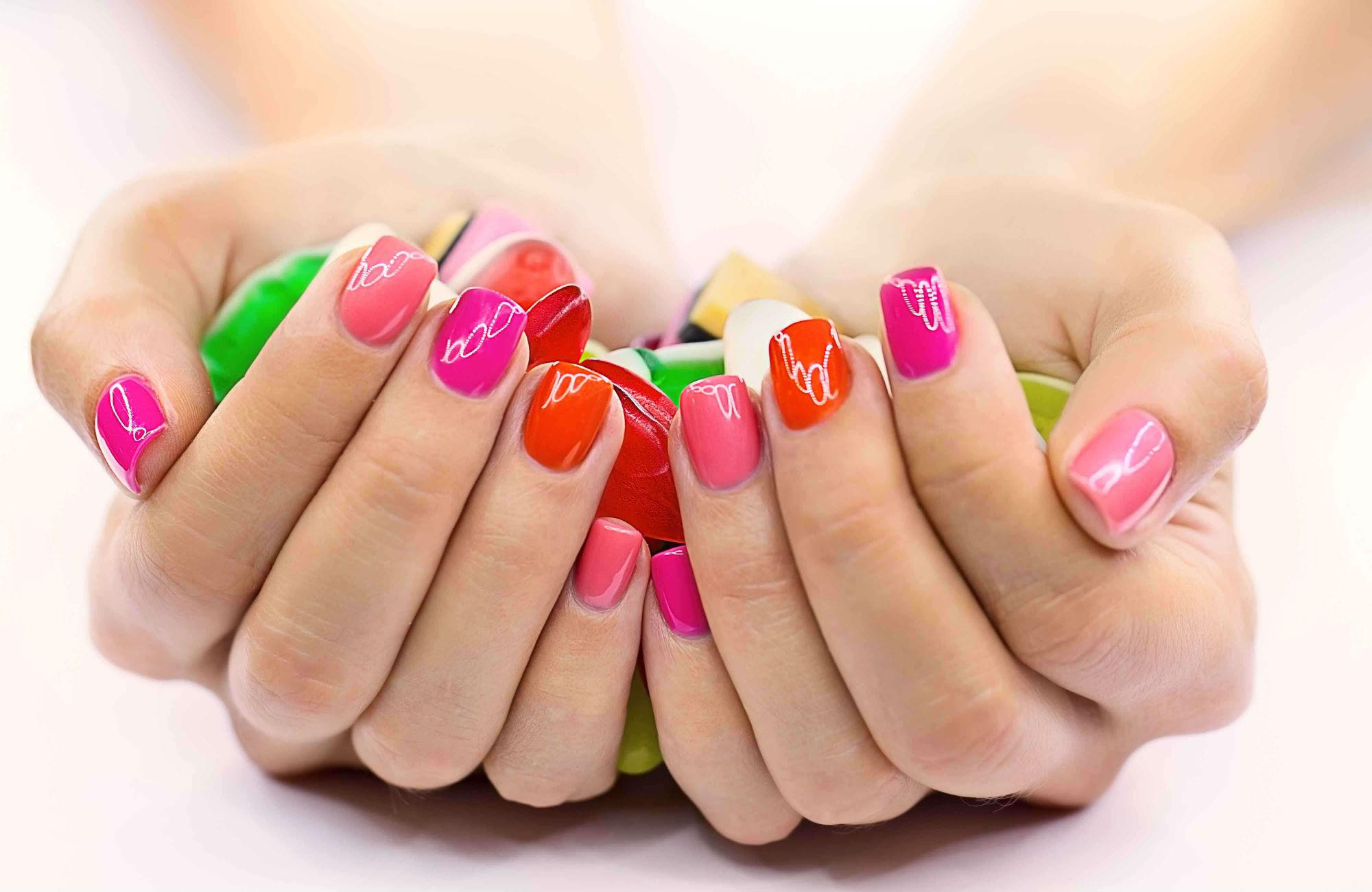 Как красиво накрасить ногти на ногах в домашних условиях