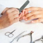 Подпиливание мужских ногтей