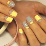Желто-серый лунный маникюр с негативным пространством