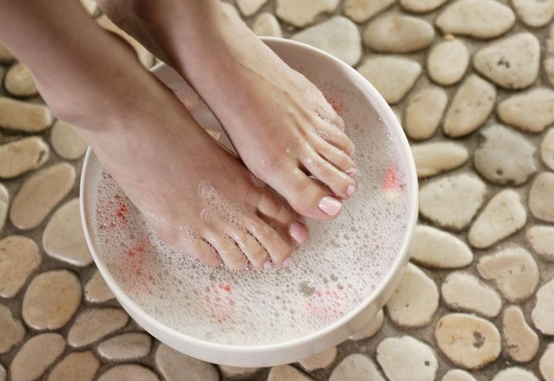 Педикюр: размягчение кожи ступней