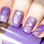 Фиолетово-серебристый водный маникюр