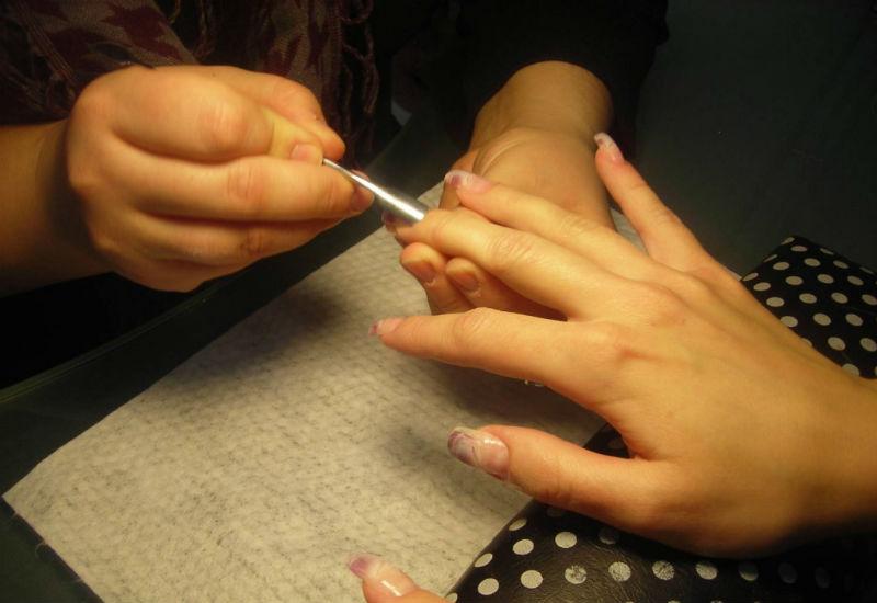 Обработка ногтевой пластины и кутикулы