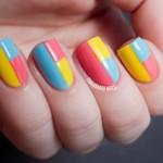 Геометрические узоры на ногтях вы можете создать сами.
