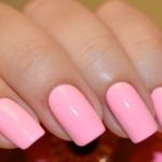 Стильный розовый маникюр
