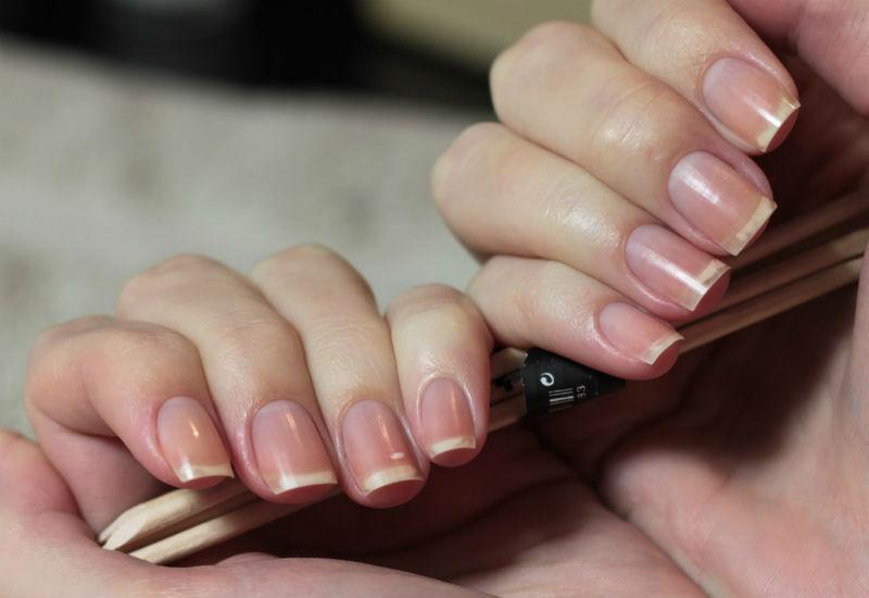 Придаем ногтям квадратную форму