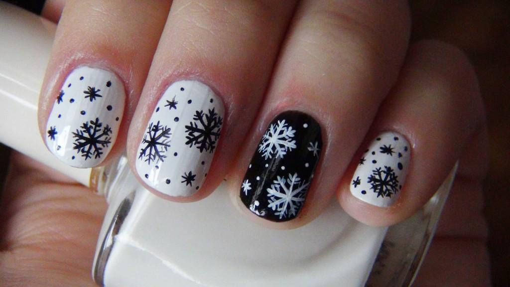 Новорічний дизайн на нігтях