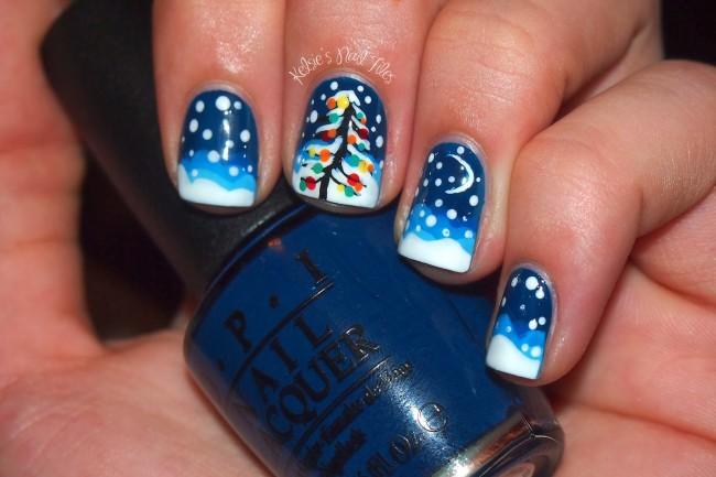 Елочка, звездочки и снег в зимнем дизайне ногтей.