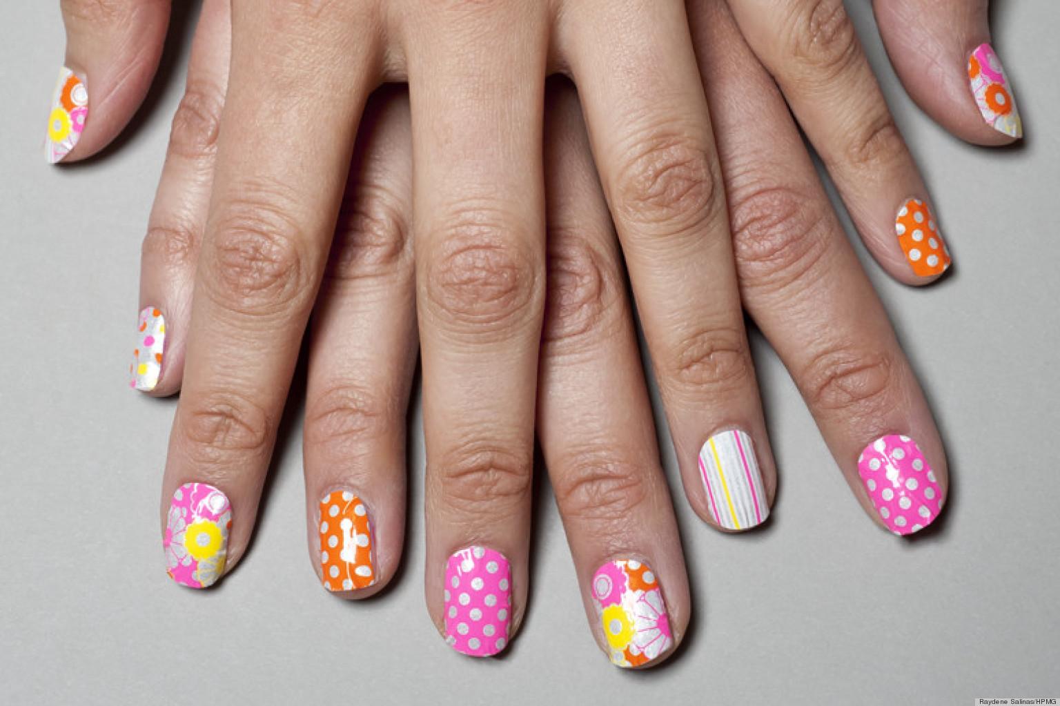 Маникюр не яркий на короткие ногти дизайн