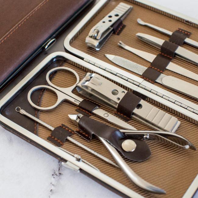 Инструменты для классического маникюра.