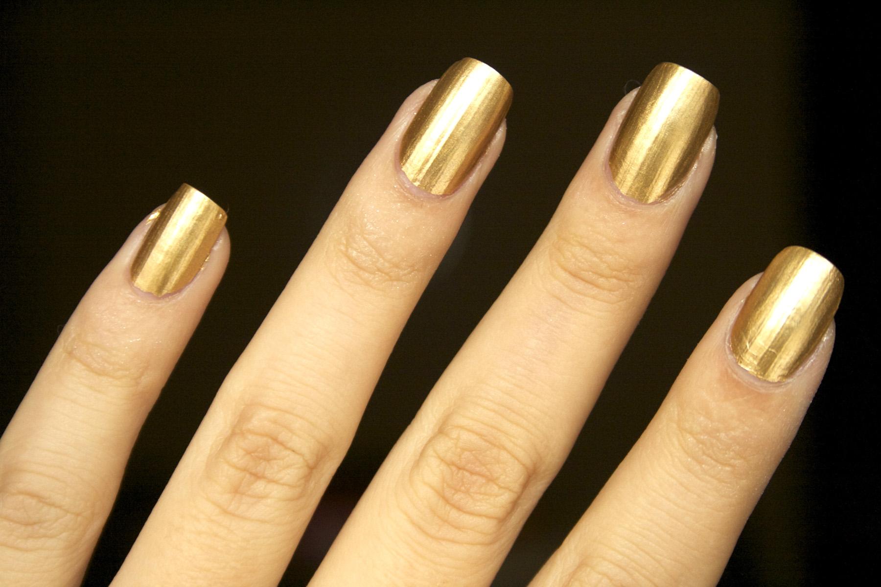 Фото ногти золотом
