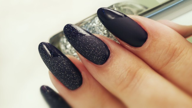 Матовый дизайн ногтей в домашних условиях.