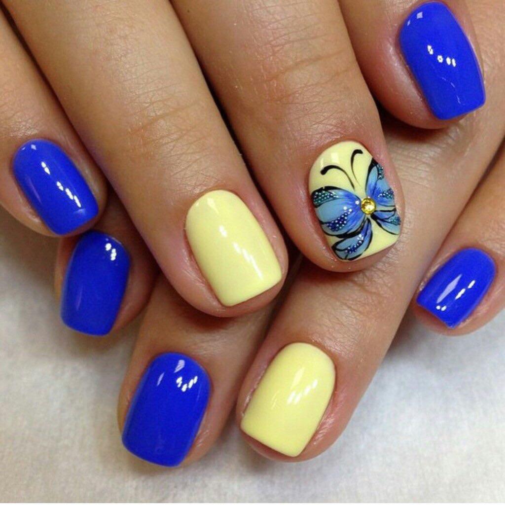 Лунный маникюр желтый с голубым фото