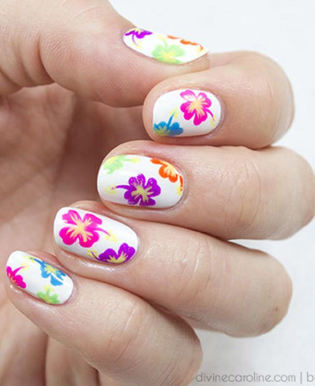Тропические цветы - рисунок или наклейка.
