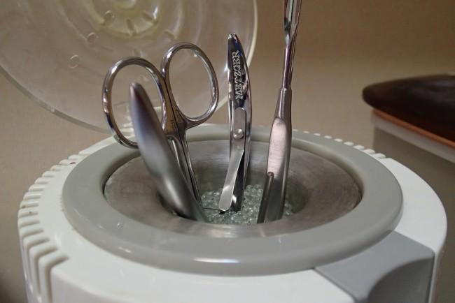 Правильная стерилизация маникюрных инструментов