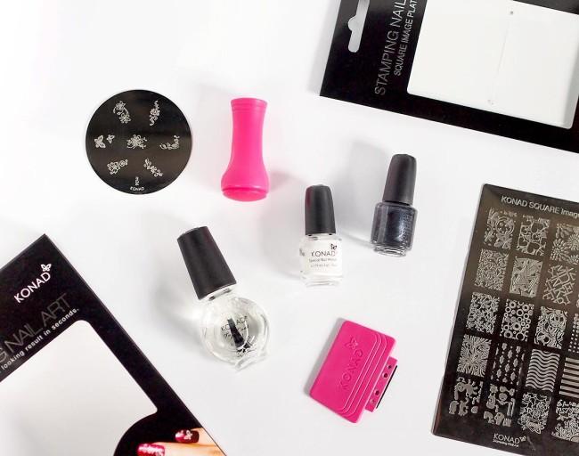Кружевной дизайн ногтей при помощи штампов.