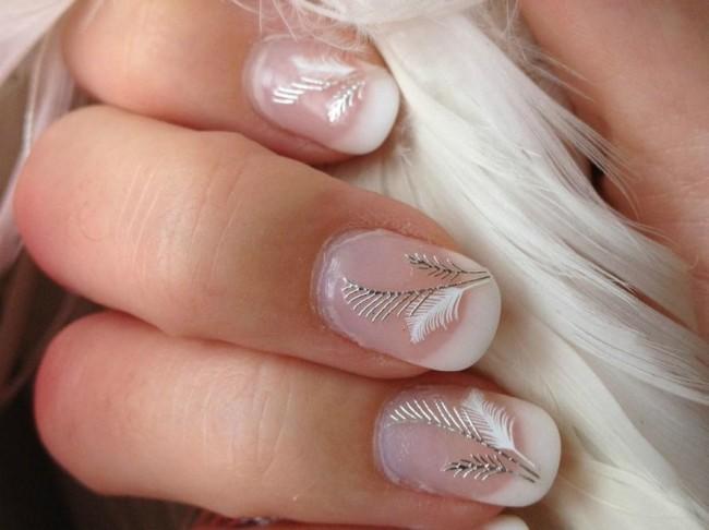 Нежный свадебный дизайн ногтей для невесты.