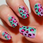 Леопардовый маникюр на разноцветном фоне